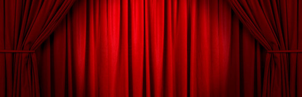 Red_drapes_1
